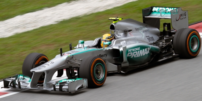 Lewis Hamilton racing in his Mercedes last season. Can he win the title this season?